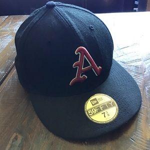 Univ of Arkansas Razerbacks fitted ball cap
